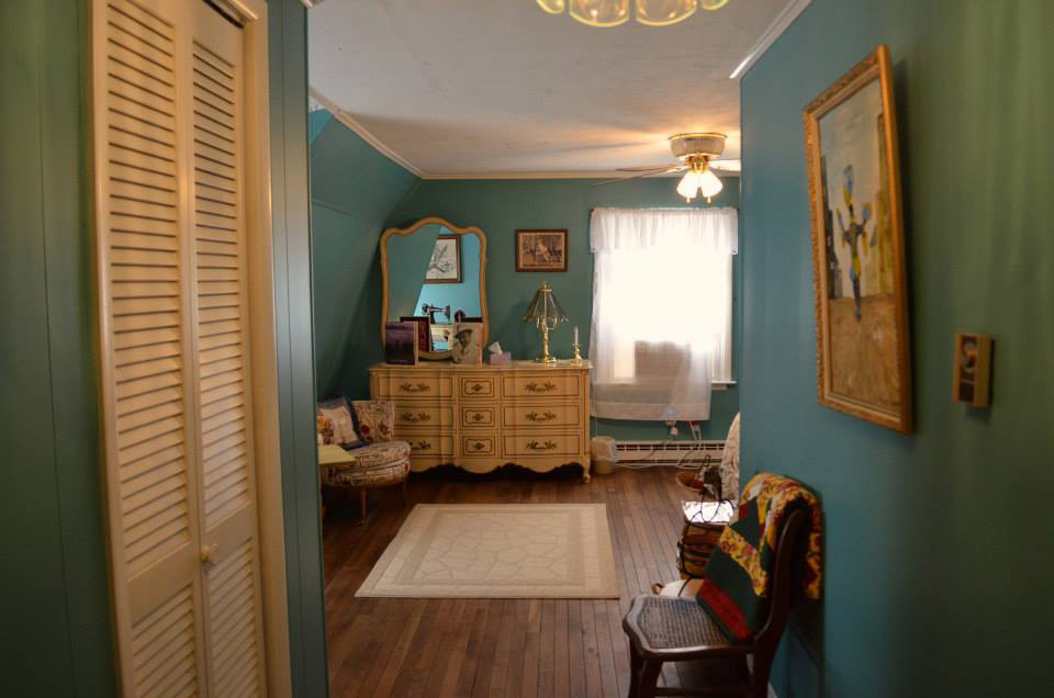 upstairs_blueroom_entrance
