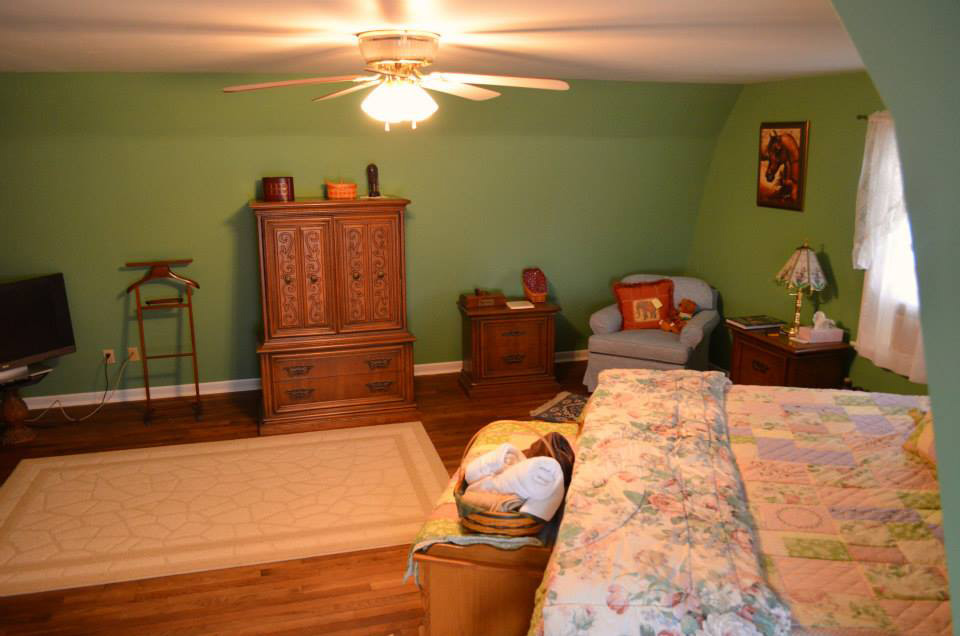 upstairs_greenroom_bed2